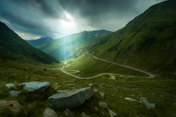 Retouching sun rays in Lightroom CC and Photoshop for dramatic landscapes
