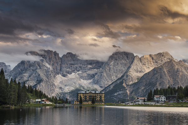 Speed editing in Lightroom – Sunset over Misurina Lake in Dolomites Mountains