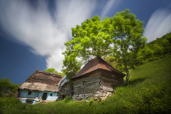 Photographing traditional old houses in Apuseni mountains in Romania
