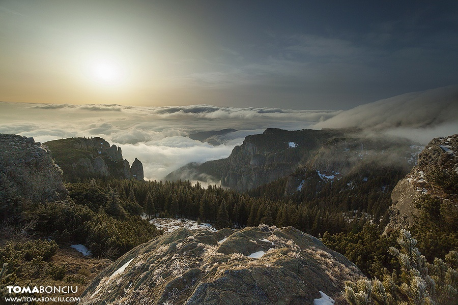 1-sunrise-Ceahlau-Mountain-Toma-Bonciu