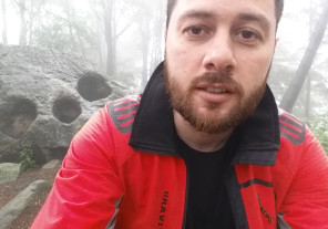 Landscape Photography Vlog – Again in the foggy forest and a Spooky Stone